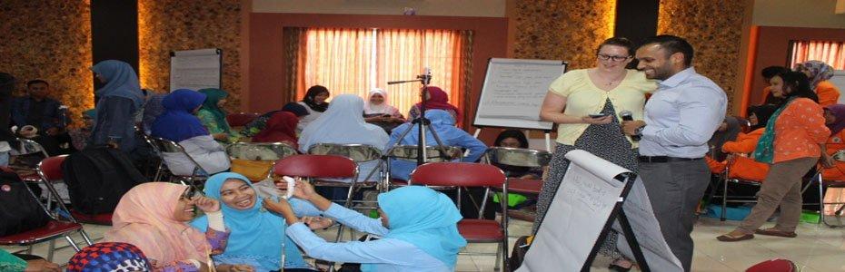 WORKSHOP SEKOLAH MENYENANGKAN (KERJASAMA UAD DENGAN PERHIMPUNAN INDONESIA BELAJAR AUSTRALIA)